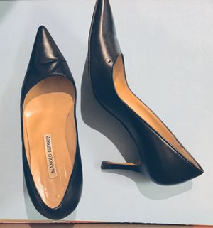 Manolo Blahnik Black Leather Pumps Size 36 for Sale in Needham, MA