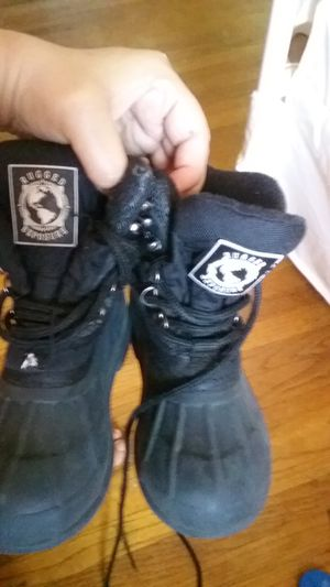Kids snow boots size 13 for Sale in Saint Paul, MN