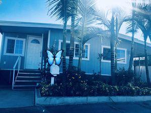 Mobile home for sale)casa Mobil en venta) ubicada en carson <>la renta del espacio es solamente a $471 al mes for Sale in Long Beach, CA