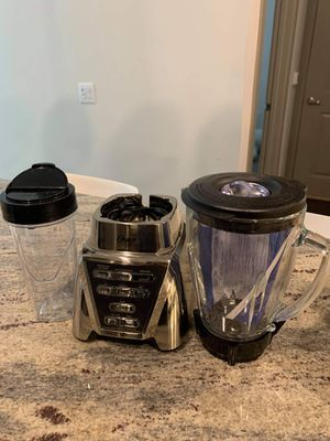 Oster Blender with Glass Jar and 24-Ounce Smoothie Cup for Sale in Coppell, TX