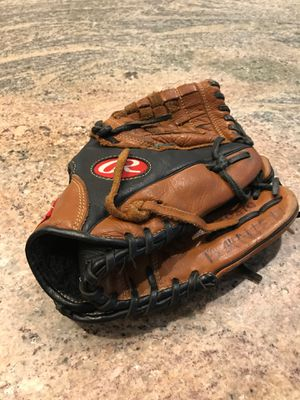 Baseball glove for Sale in Redmond, WA