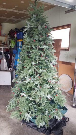 Front gate artificial 9' Christmas tree for Sale in Costa Mesa, CA