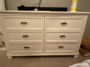 White dresser for Sale in Davenport, FL