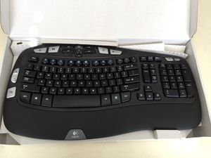 Logitech Wireless Wave Keyboard and Mouse MK550 for Sale in Leesburg, VA