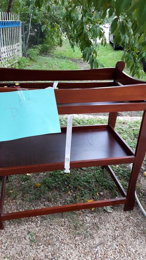 Diaper changing table,. for Sale in Balch Springs, TX