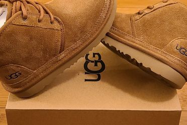 UGG Shoes Size 1y For Kids. for Sale in Lynwood,  CA