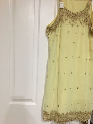 """Indian """"salwaar"""", blouse with matching pants. for Sale in Orlando, FL"""