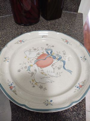 24 Piece Dish Set for Sale in Blythewood, SC