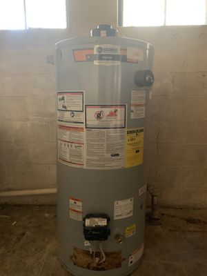 Gas Water Heater 40 Gallons for Sale in Garrison, MD