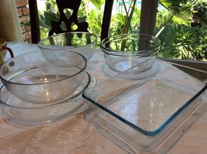 5 glass dishes , 3 Pyrex goes in oven $4 each or $18 for all for Sale in Mountain View, CA