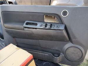 GMC Canyon/ Colorado 2010 driver window for Sale in Los Angeles, CA