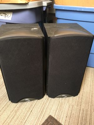 Nice pair of Klipsch synergy B2 bookshelf speakers -black for Sale in Glenview, IL