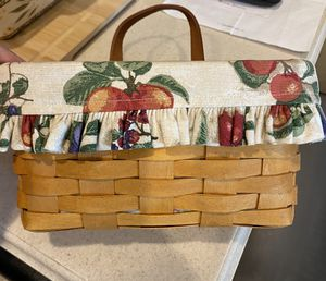 Longaberger Basket with Liner for Sale in Oviedo, FL