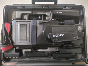 Sony Video Camera - Case Incuded for Sale in Los Angeles, CA