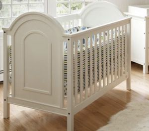 White Crib & Changing Table for Sale in San Diego, CA