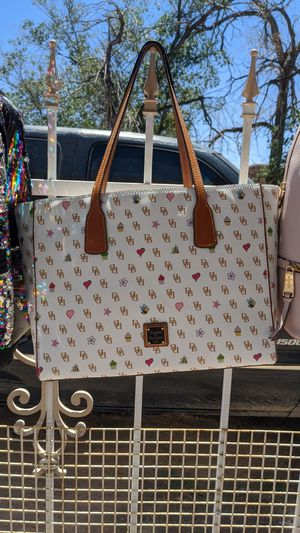 Brand NEW DOONEY AND BOURKE PURSE $140 for Sale in Albuquerque, NM