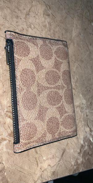Coach Wallet w/ zipper pocket for Sale in Fullerton, CA