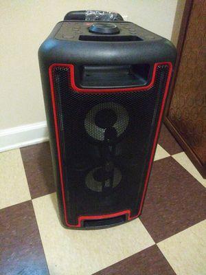 Bluetooth portable speaker for Sale in Camden, NJ