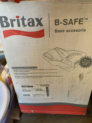 Britain car base for bob stroller for Sale in Fresno, CA