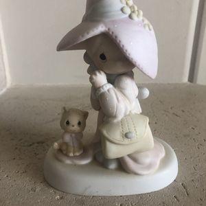 Precious Moment Figurine 1983 To A Very Special Mom for Sale in Sacaton, AZ