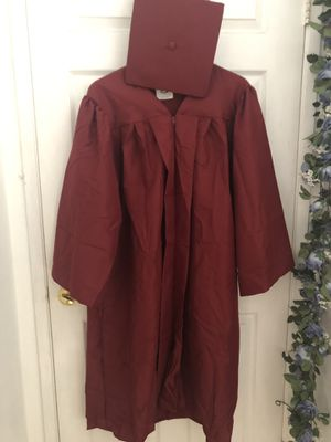 "Graduation gown and hat for 5'4"" to 5'6"" for Sale in Norwalk, CA"