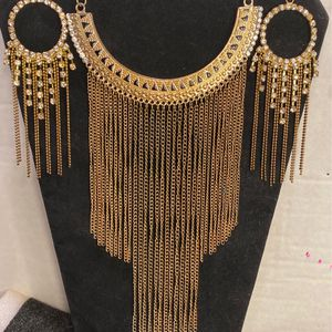 Vintage Necklace And EarringsGORGEOUS for Sale in Bakersfield, CA