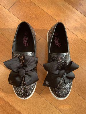 Jojo Siwa girl youth size 2.5 sequin bow slip on sneaker for Sale in Mundelein, IL