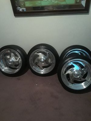 17in.6lug centerlines rims and tires for Chevy truck in good condition selling for 600 dollars for Sale in Reedley, CA