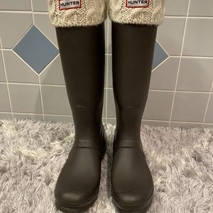Tall Hunter Boots With Socks for Sale in Lake Stevens, WA