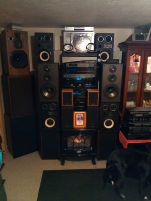 Storage unit sale.all stereo system equipment.lets make a deal.ever thing must go.no reasonable offer refused.dont miss out. for Sale in Lorain, OH