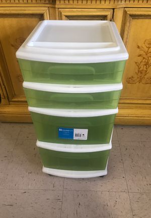 """25 1/2"""" tall plastic drawers green for Sale in Miami, FL"""