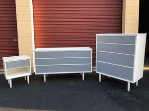 Mid Century Modern MCM Solid Wood Bedroom Set White With Gray Drawers for Sale in Woodbridge, VA