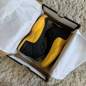 Nike Jordan 12 Retro Grade School Kids Basketball Shoes (University Gold) 4.5 GS for Sale in Murrieta, CA