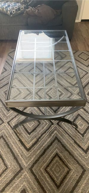 Coffee and 2 end tables for Sale in Columbus, OH