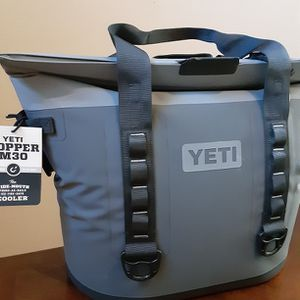 New Yeti Hopper M30 Wide Mouth Cooler $300 for Sale in Orting, WA