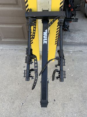 Thule 4 bike rack for 1 1/4 inch small square hitch (READ DETAILS) for Sale in San Diego, CA