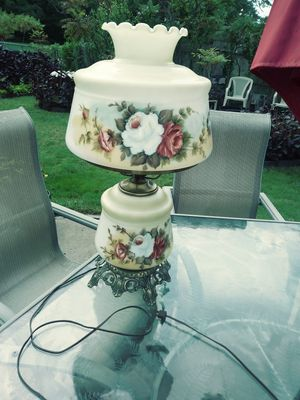 Beautiful large antique lamp with double lights one is the bottom night light top light or both on together for Sale in Westland, MI