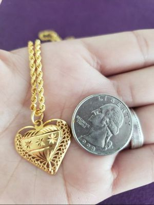 21k gold Necklace 16' 5.3 grams with the pendant for Sale in MONTGOMRY VLG, MD