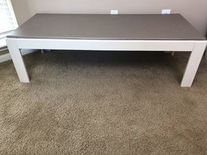Farmhouse Coffee Table in Light Brown & Cream for Sale in Katy, TX