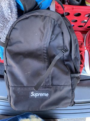 Supreme backpack for Sale in Clackamas, OR