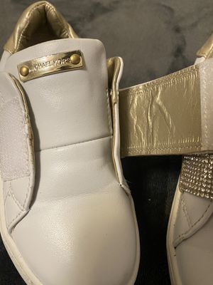 Michael Kors shoes for girl size 11 (normal price $115) for Sale in Bellevue, WA