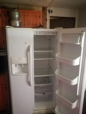 Side by side refrigerator for Sale in White Hall, AR