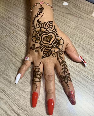 💋Henna & Nails💋 for Sale in Riverside, CA