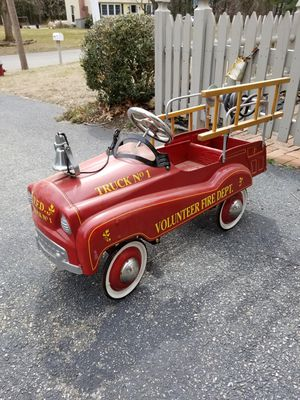 CHILDS PEDAL CAR FIRETRUCK WITH HOSE EXC COND for Sale in Concord, MA