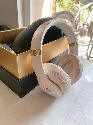 Beats wireless 3 studio headphones - Desert sand for Sale in Bothell, WA