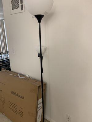 Double lights floor lamp for Sale in Los Angeles, CA