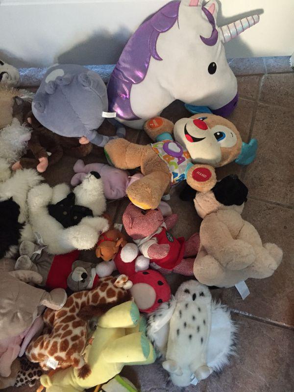 Huge stuffed animal lot 83 pieces