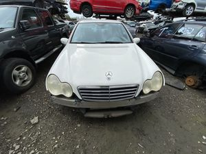 Mercedes benz C230 2006 only parts for Sale in Hialeah, FL