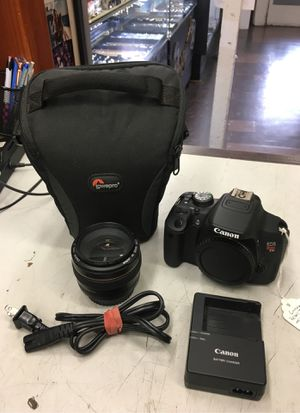 Canon Rebel T5i Digital Camera with 50mm Ultrasonic Lens and Case for Sale in Los Angeles, CA