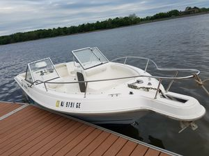 98 aquasport 200 horsepower Evinrude outboard motor for Sale in Yardley, PA